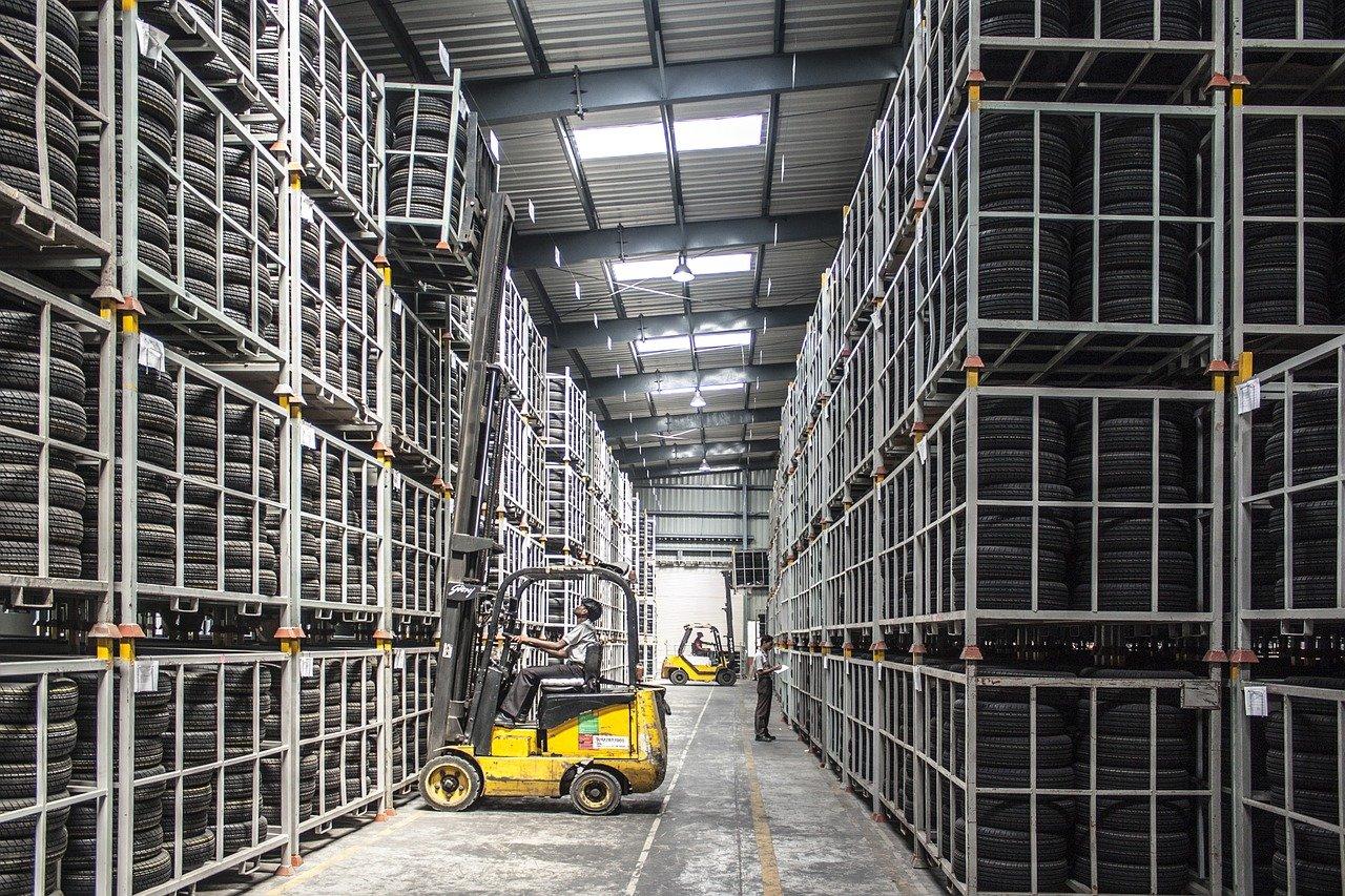 forklift, warehouse, machine-835340.jpg