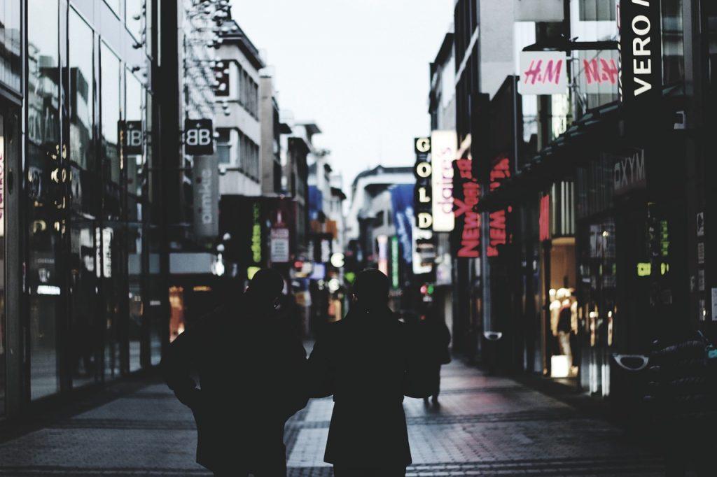 people, walking, shopping-1209860.jpg